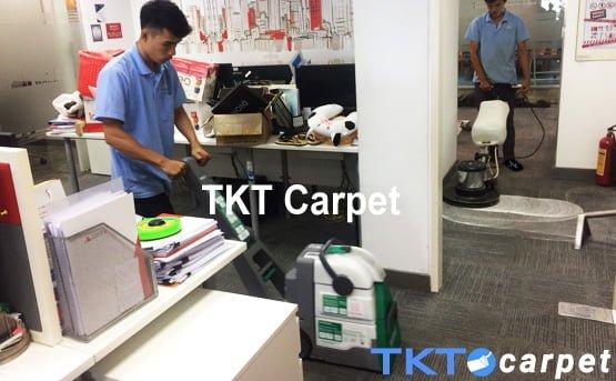 Dịch vụ giặt thảm Đồng Nai bàn chà - Phun hút của TKT Carpet