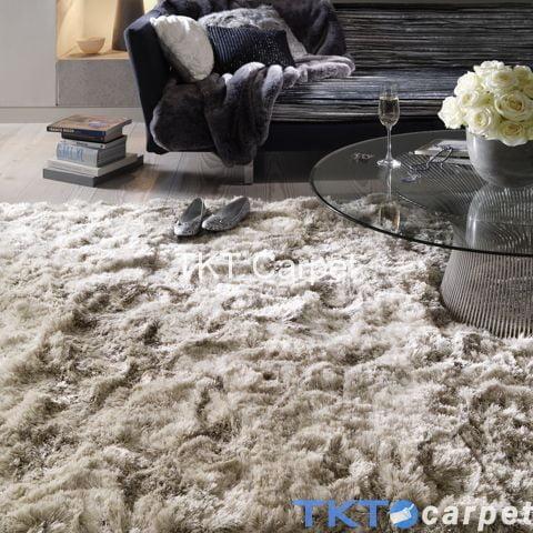 thảm lông xù tại phòng khách
