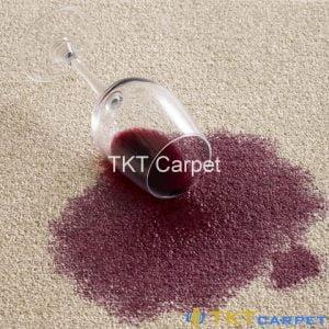 vết rượu vang trên thảm