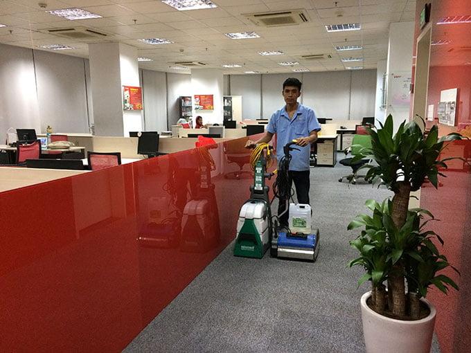 giặt thảm văn phòng công ty Minh Việt