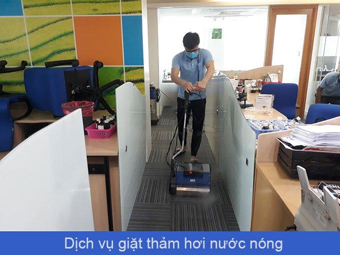 dịch vụ giặt thảm hơi nước nóng