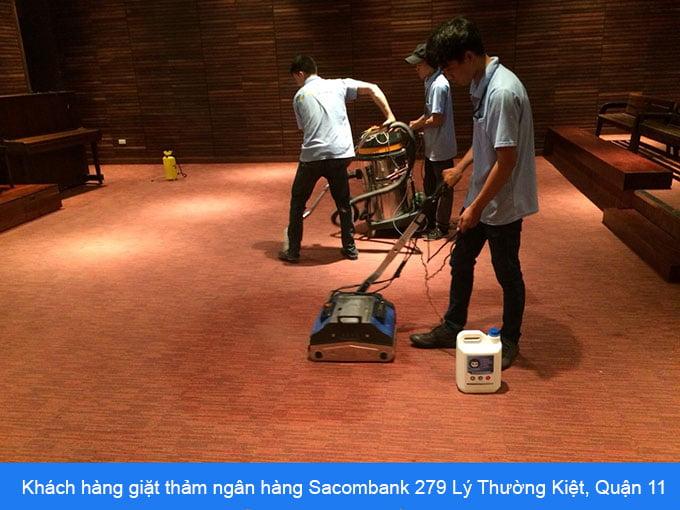 khách hàng giặt thảm ngân hàng Sacombank