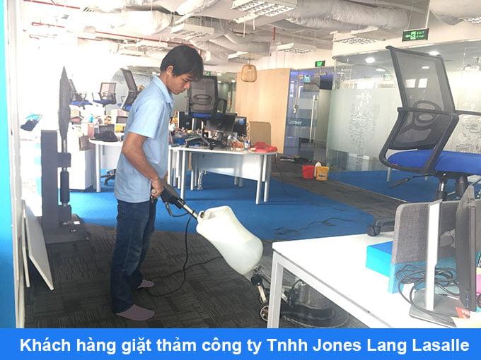 giặt thảm văn phòng công ty Jones Lang Lasalle