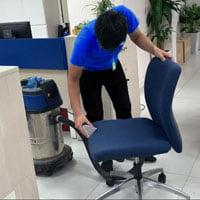 hút bụi ghế trước khi giặt
