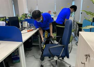 làm sạch ghế văn phòng