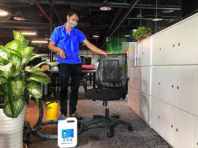 giặt ghế văn phòng công ty NFQ