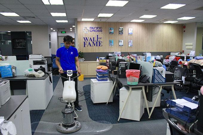 khách hàng giặt thảm văn phòng công ty cross pacific